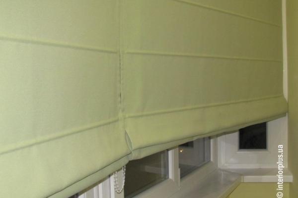римские-шторы-для-балконной-двери